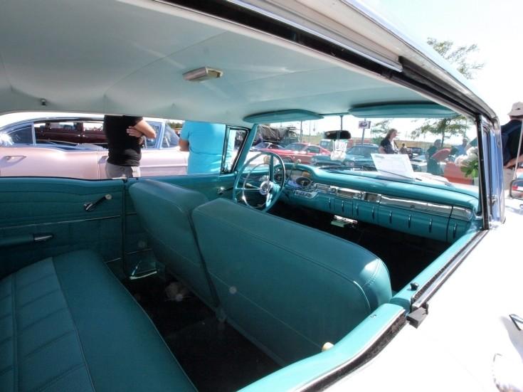 Edsel inside