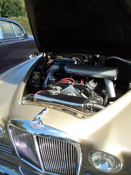Jaguar 420 engine bay