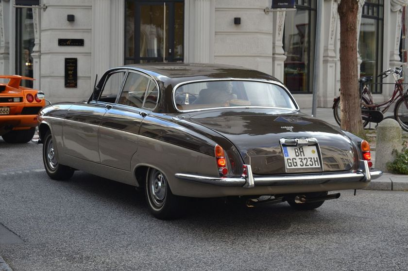 Jaguar 420G rear