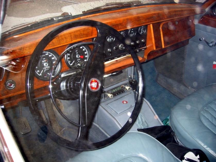 Jaguar MK2 Four forward speeds and (electric) overdrive