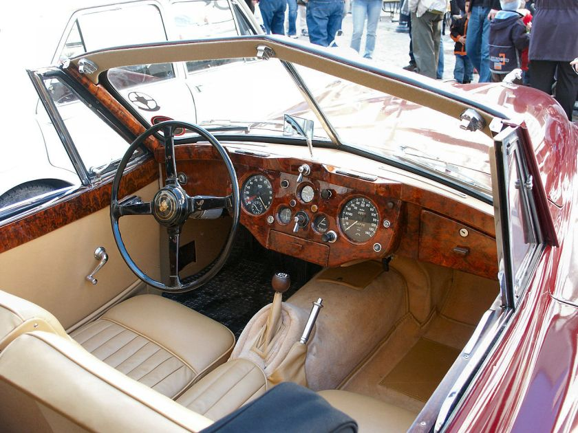 Jaguar XK140 Drophead coupé interior