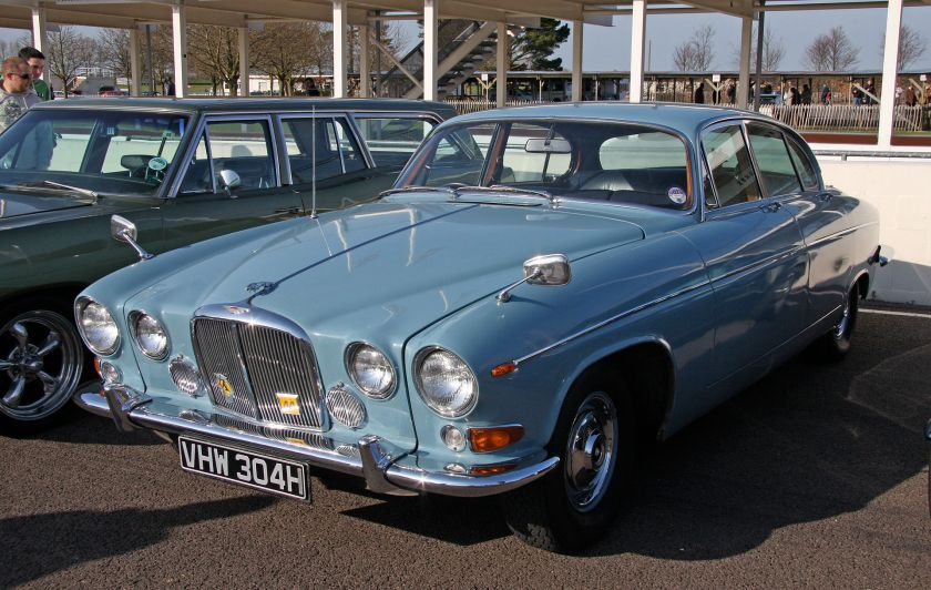 The larger, Mark X-based Jaguar 420G