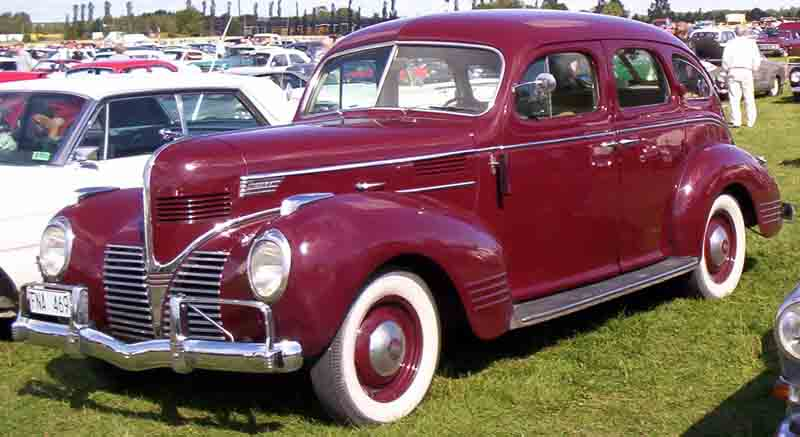 1939 Dodge D11 Luxury Liner 4-Door Sedan