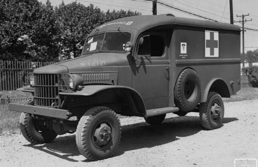 1940-45 Dodge-WC9-ambulance