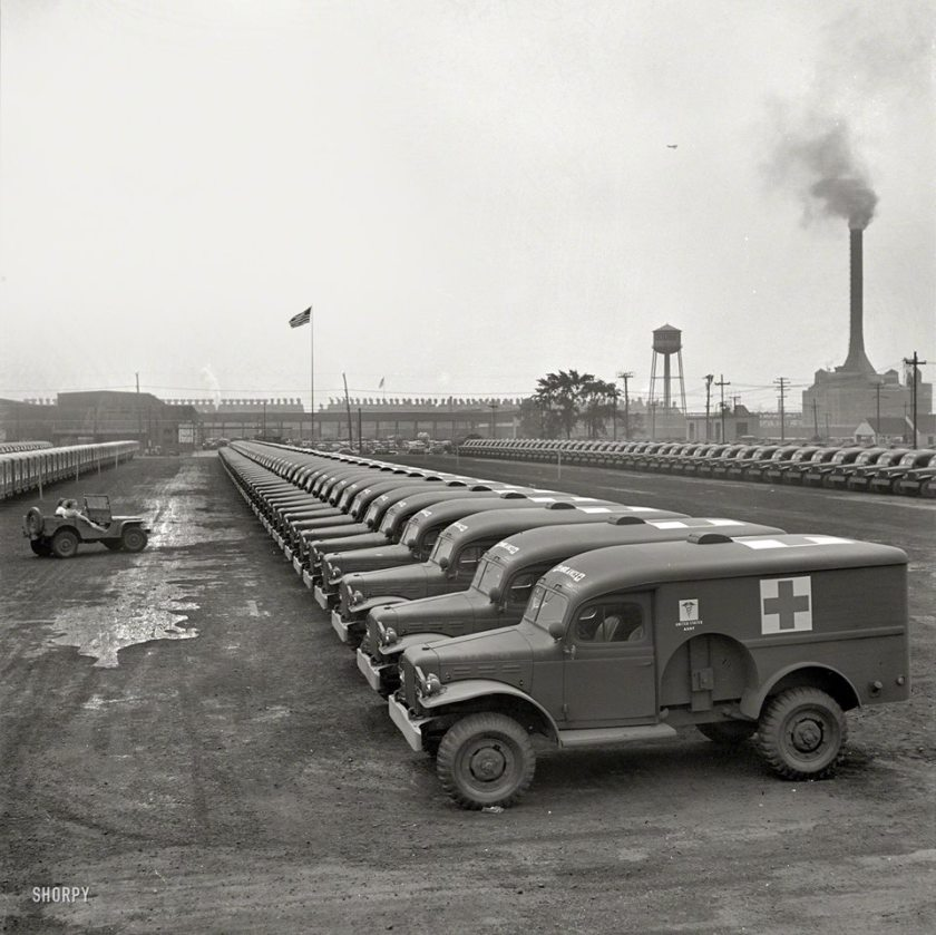 1942 Building Dodge Field Ambulances - 1942 a