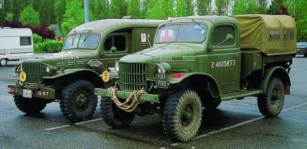 1942 Dodge Т212 (D8A), 4x4(left American Dodge Т214)