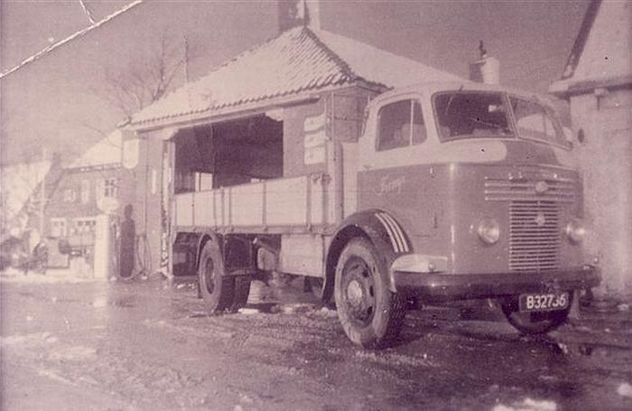 1947 Commer B-32736