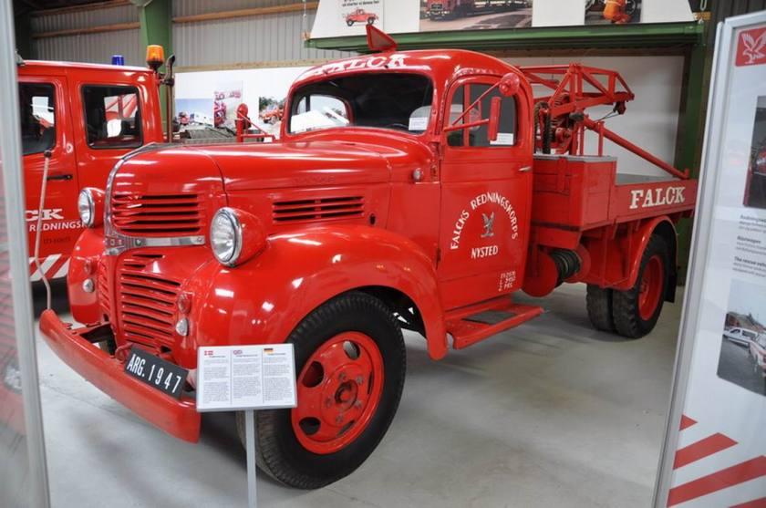 1947 Dodge met een 6-cylinder benzine motor met 113 pk