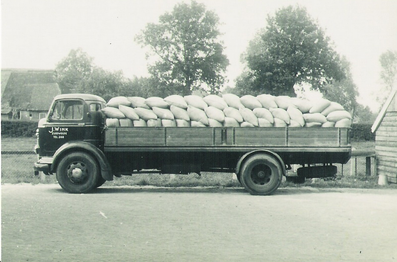 1952 commer 05