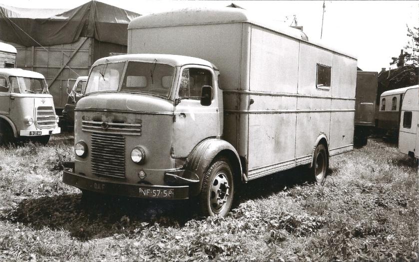 1952 Commer C762 Showground truck