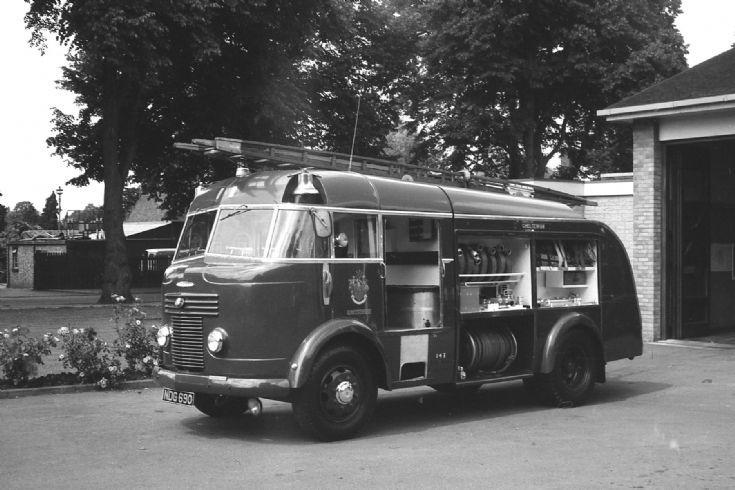 1960 Commer Miles NDG 690