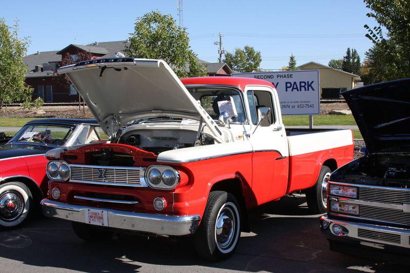 1960 Dodge_Sweptline_half_ton