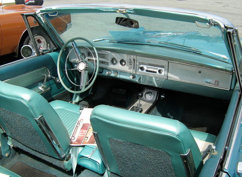 1964_Dodge_Polara_500_conv_interior
