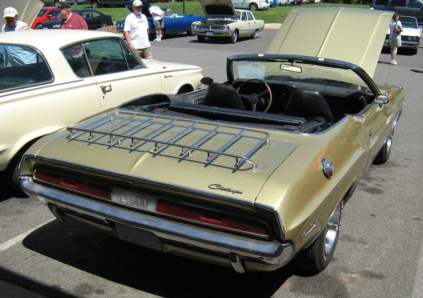 1970 Dodge Challenger convertible six bak