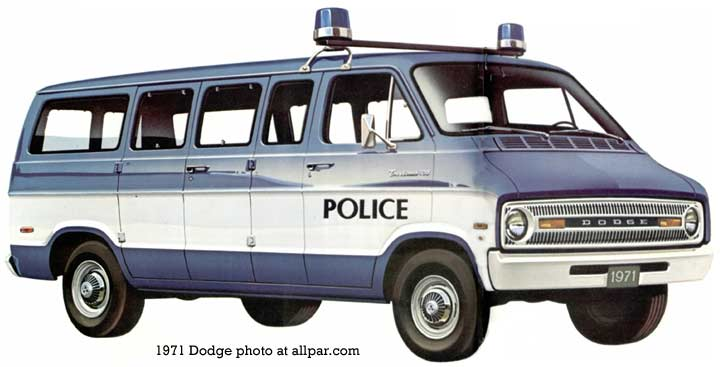 1971 Dodge sportsman-van