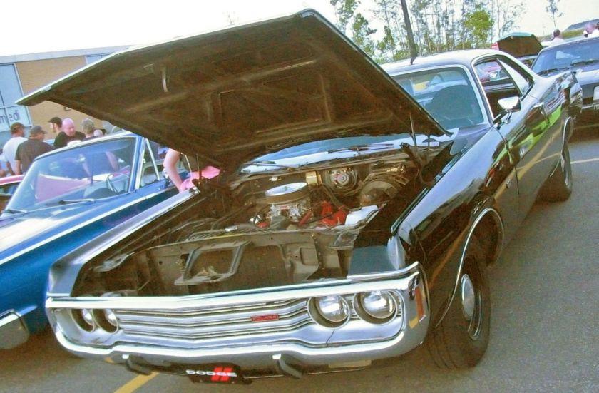 '1971 Dodge_Polara_Coupe_(Auto_classique_Bellepros_Vaudreuil-Dorion_'11)