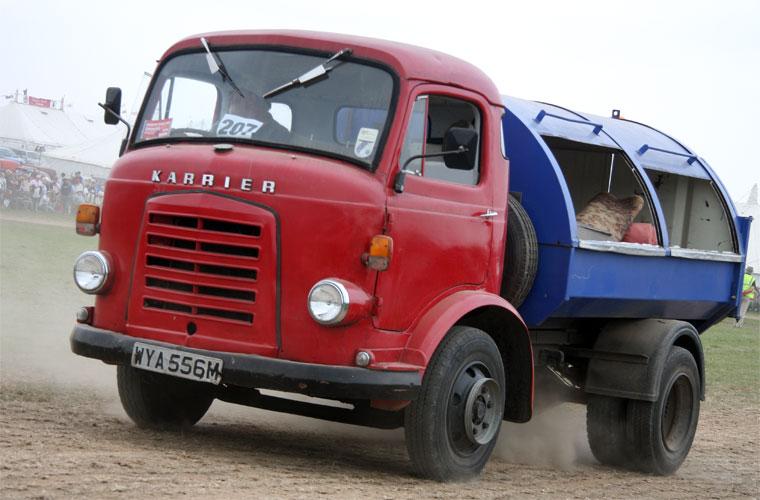 1974. Karrier Bantam Dustcart