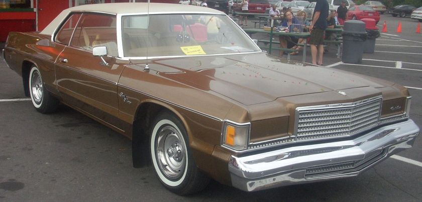 1976 Dodge Royal Monaco 2-door hardtop