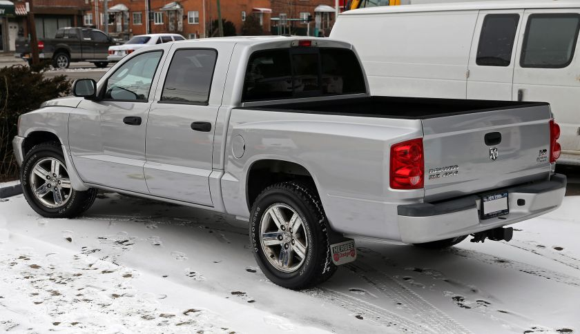 2007 Dodge Dakota SLT 4x4 Crew Cab, rear view