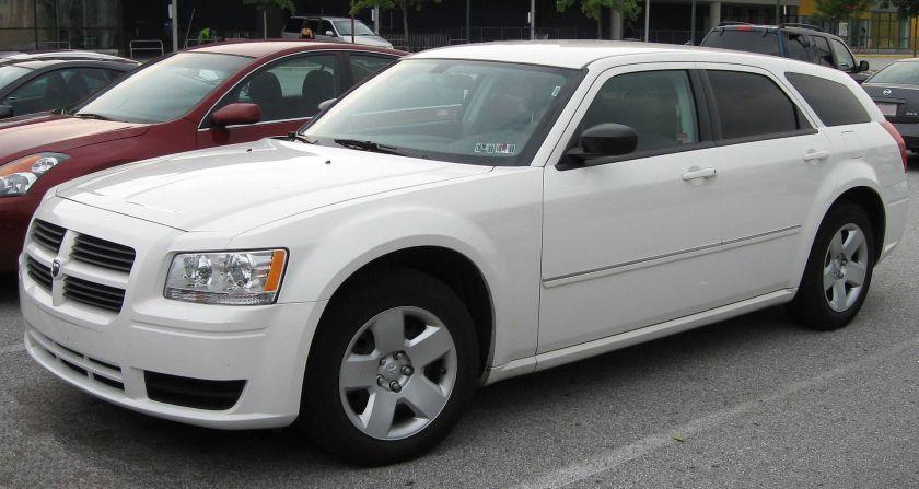 2008 Dodge_Magnum_SE