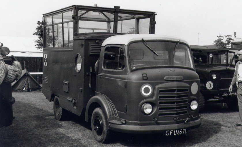 Commer Bantam Airfield Control (GFU 659 L)