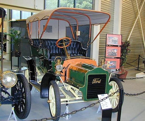 1904 Ford Model F
