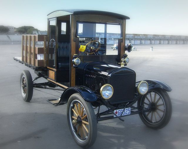 1919 Ford Model T stakebed