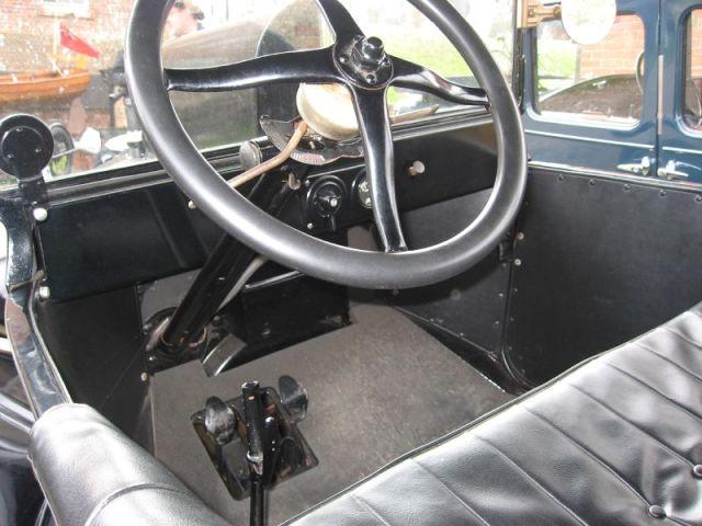 1920 A driver's controls