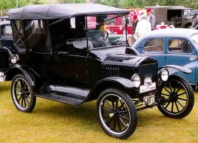 1920_Ford_Model_T_Touring_3