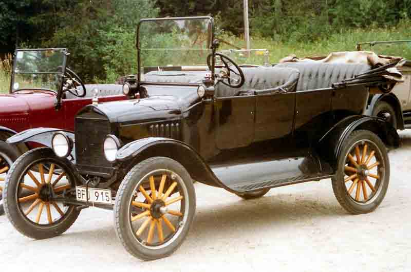 1921_Ford_Model_T_Touring_2