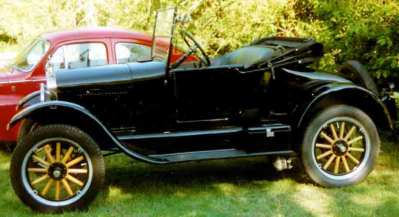 1926_Ford_Model_T_Runabout_ECH956
