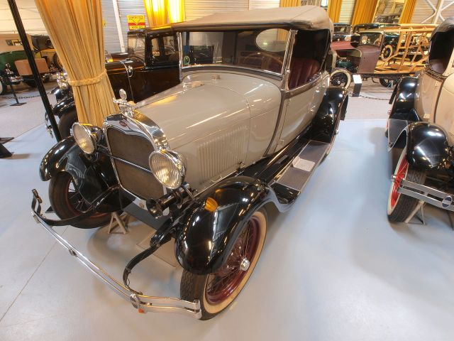 1927_Ford_A_40A_Standard_Roadster_pic6