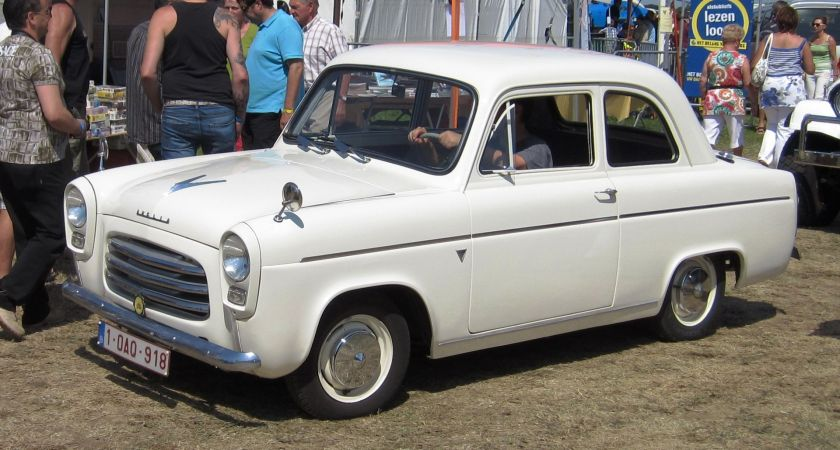 1954 Ford Anglia 100E (earlier grille)