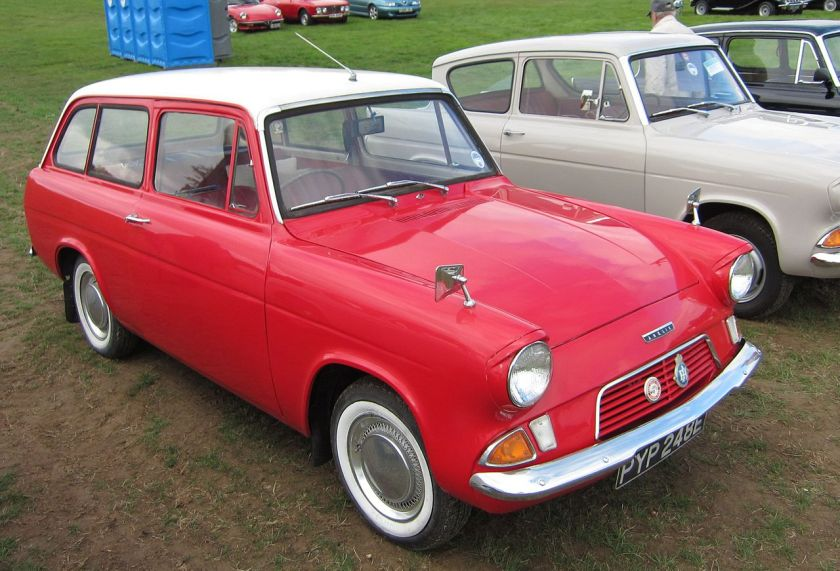 1967 Ford Anglia 105E Estate. The basic Anglia 105E featured a smaller, painted grille with a chromed reveal, rendering it easily identifiable from the De Luxe 105E.