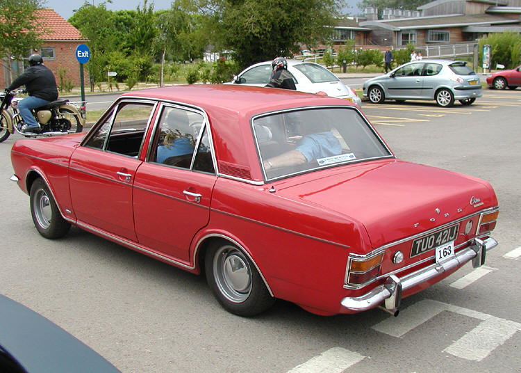 Ford Cortina Mark II 4-door Saloon