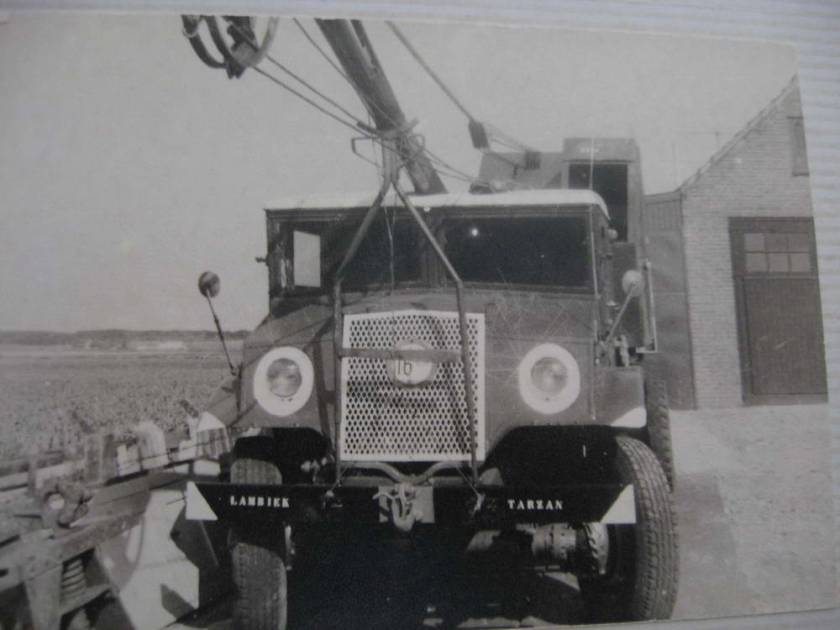 1943 Chevrolet met legille kraan Heemskerk 2