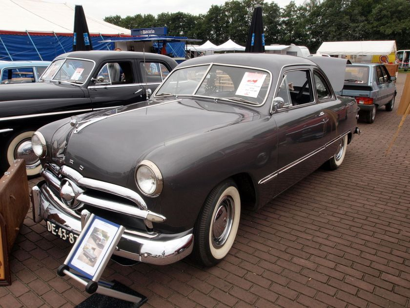 1949 Ford Custom coupe, Dutch licence registration DE-43-87 p2