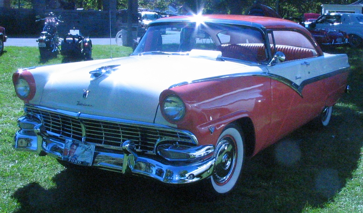 Ford motor company part xiii the ford crown victoria for 1956 ford crown victoria 2 door coupe