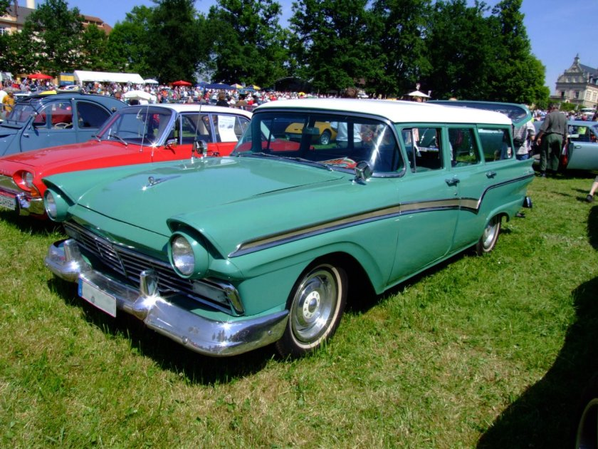 1957 Ford Country Sedan