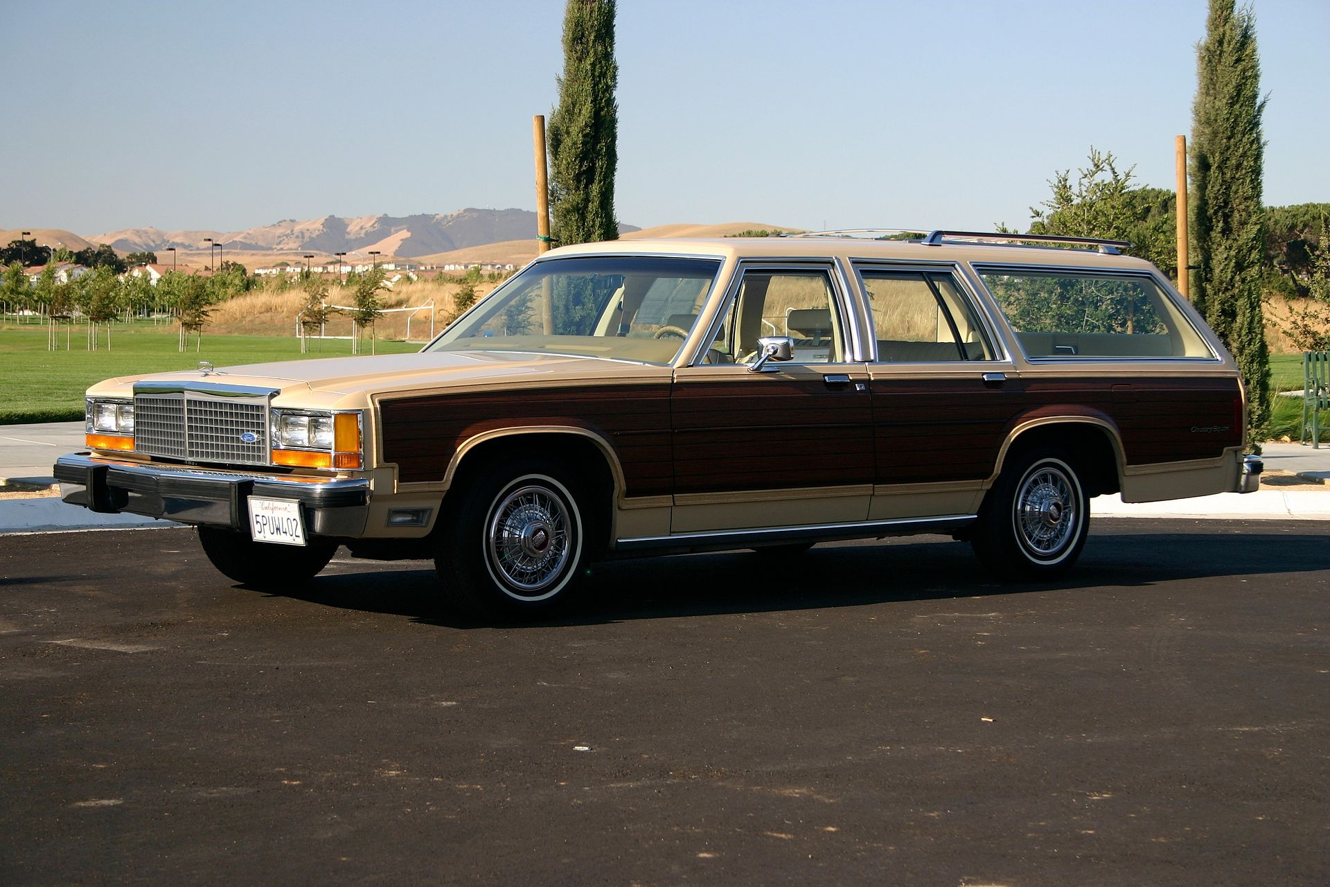 Ford Motor Company Part XI – The FORD COUNTRY SQUIRE – Myn ...