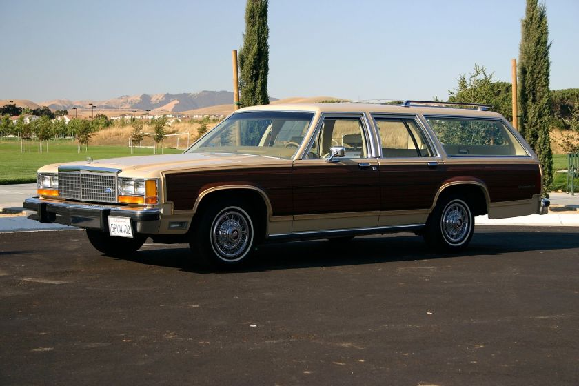 1982 Ford LTD Country Squire
