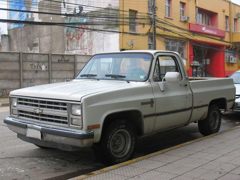1988 Chevrolet C-10 Custom Deluxe