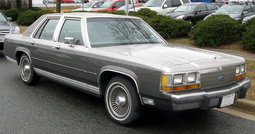 1988–1991 LTD Crown Victoria sedan