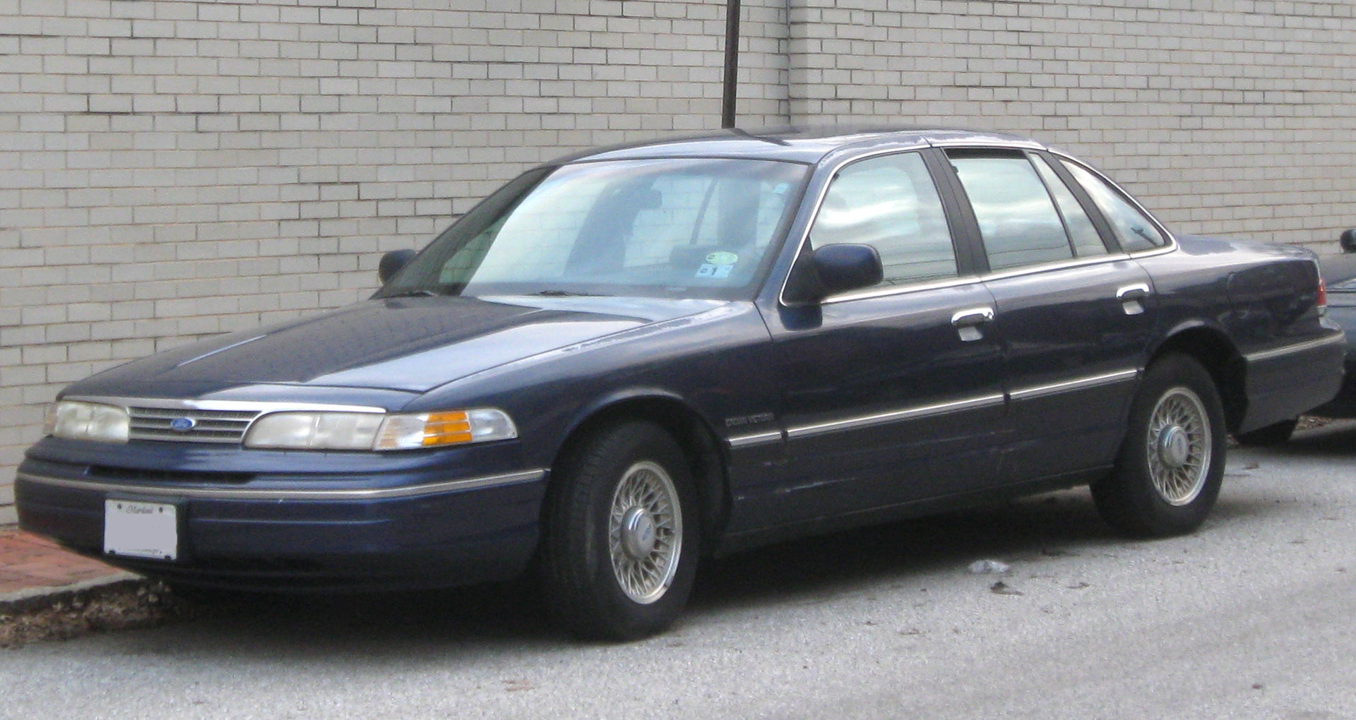 1993 1994 ford crown victoria