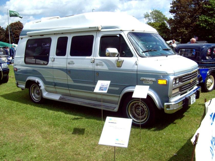1994 Chevrolet Chevvy Van 20 RV