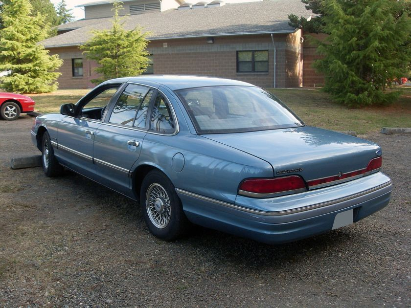 1994 Ford Crown Victoria LX, rear view
