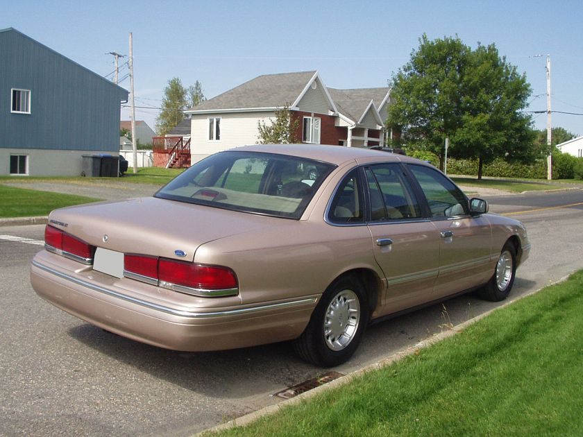 1996 Ford Crown Victoria LX, rear view