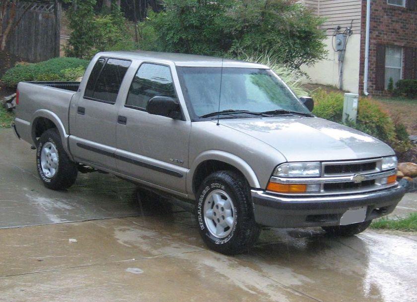2001–04 Chevrolet S-10 crew cab