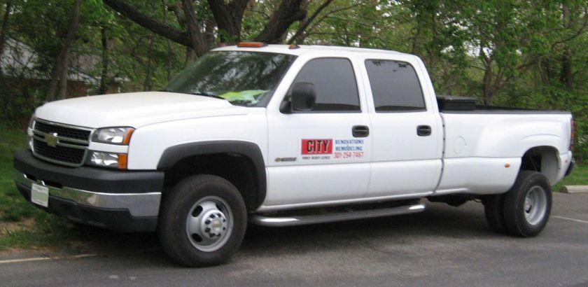 2002–06 Chevrolet Silverado 3500 crew cab