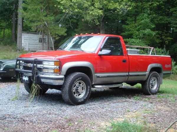 Chevrolet suburban gmt400 6 5 i v8 td 4wd 180 hp